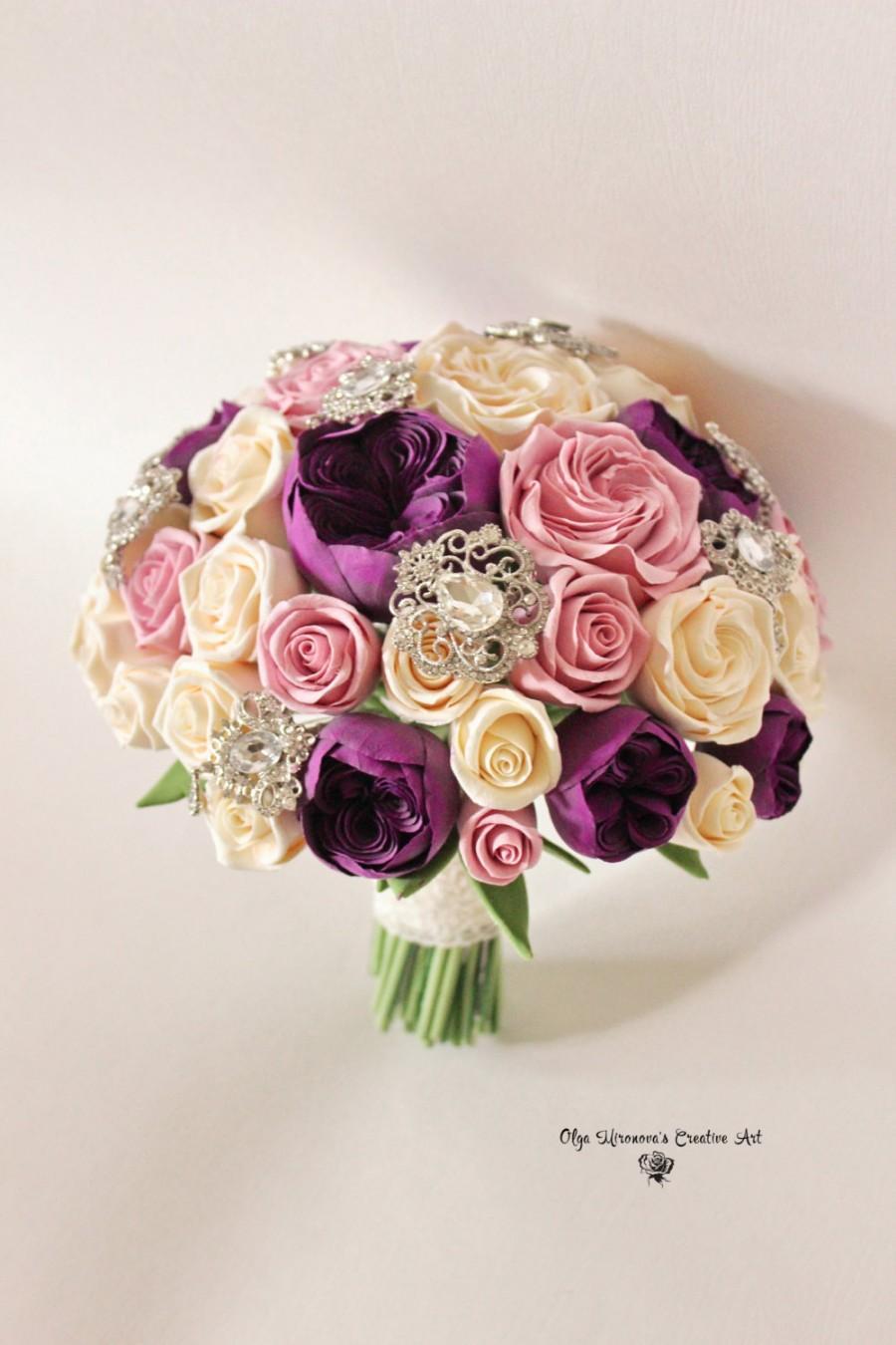 Mariage - Alternative Wedding bouquet Keepsake  bridal Brooch bouquet Purple Eggplant Pink bouquet Garden Roses bouquet with brooches Toss bouquet