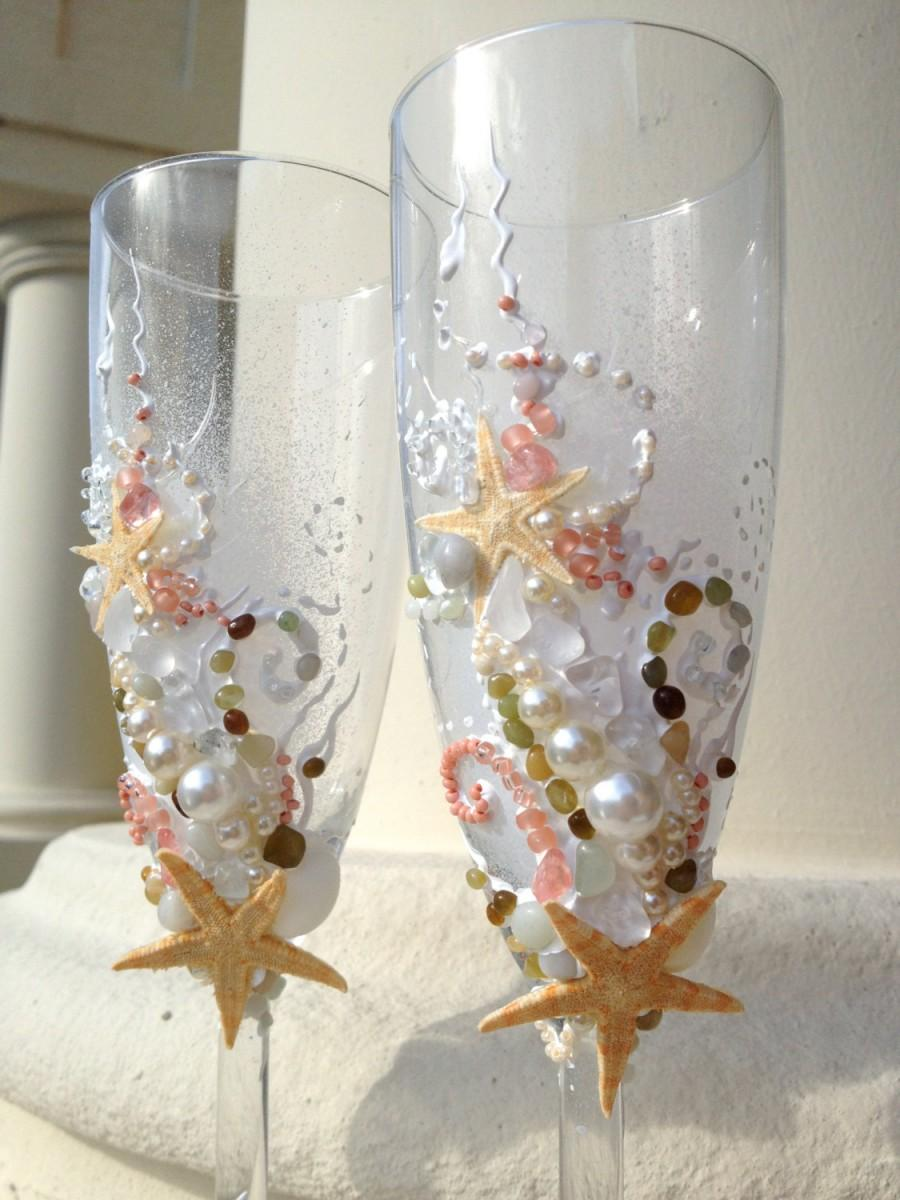 Hochzeit - Beach Wedding Starfish champagne glasses in white, light pink and green, elegant toasting flutes for your destination wedding reception