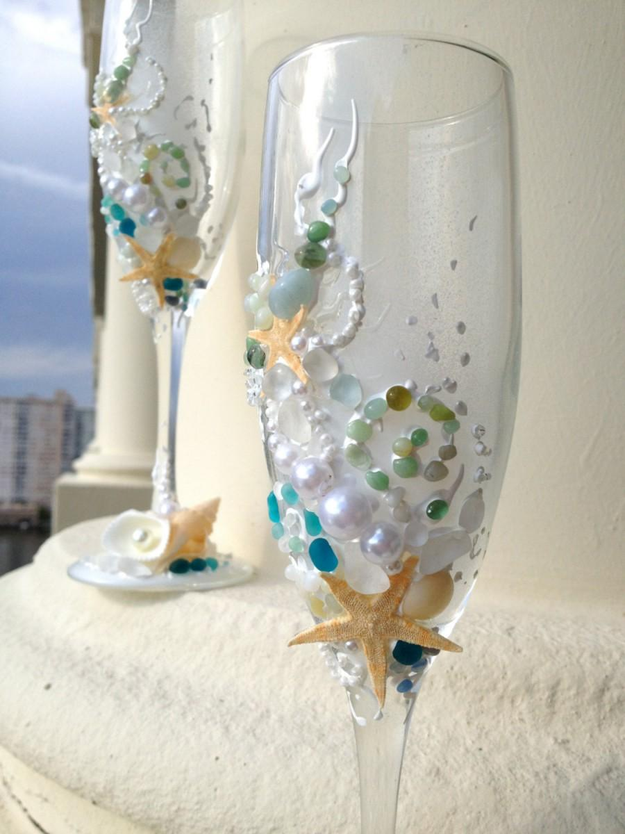 Свадьба - Starfish wedding champagne glasses, beach wedding toasting flutes in white, water blue and green