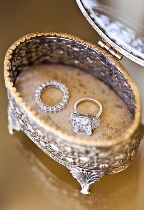 زفاف - 40 Vintage Wedding Ring Details That Are Utterly To Die For