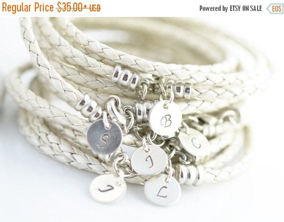 Mariage - Personalized Bridesmaid Gift, Customized Bridesmaid Gifts, Personalized Bridesmaid Bracelet, initial bracelet ,sterling silver