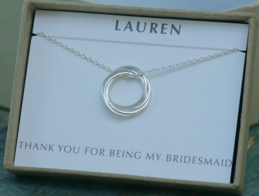 Mariage - Bridesmaid gift, 5 linked circle necklace, 50th birthday gift, bridesmaid necklace, family of 5 bridesmaids gifts - Lilia