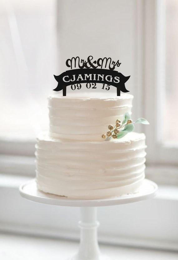 Свадьба - Mr and mrs cake topper,custom last name cake topper,mr and mrs with wedding date cake topper,romantic cake topper,funny wedding cake topper