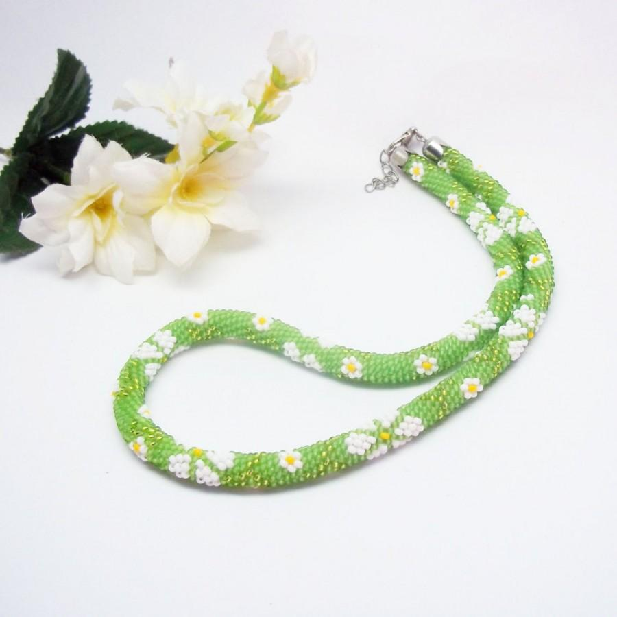 Wedding - Daisy  Necklace green choker white flower jewely floral Bead crochet rope Minimalist Modern Jewelry Beadwork gift for her spring trend
