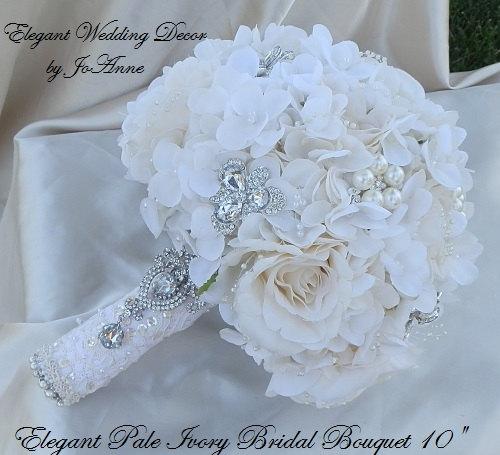 Hochzeit - HYDRANGEA BROOCH BOUQUET, Brooch Bouquet, Ivory Wedding Bouquet, Jewelry Bouquet, Silk Flower Bouquet, Jeweled Flower Bouquet, Keepsake