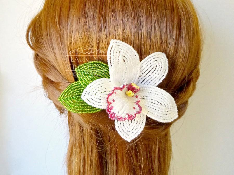Hochzeit - Beaded Orchid Hair Comb, white Cymbidium wedding hair piece, Tropical bridal head piece, bridesmaid floral hair accessories