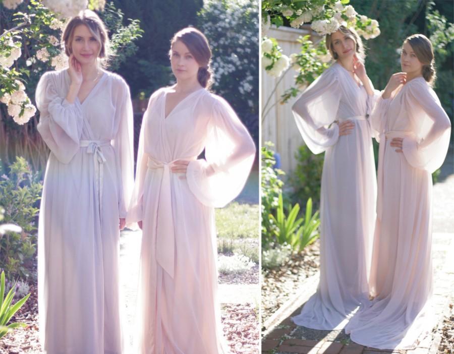 Hochzeit - Trieste. One custom Poet sleeve chiffon robe. Long bridal robe in chiffon with draped sleeves. Full skirt & train Gathered details With slip