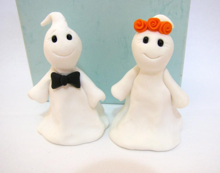 Hochzeit - Halloween wedding cake topper, ghost bride and groom