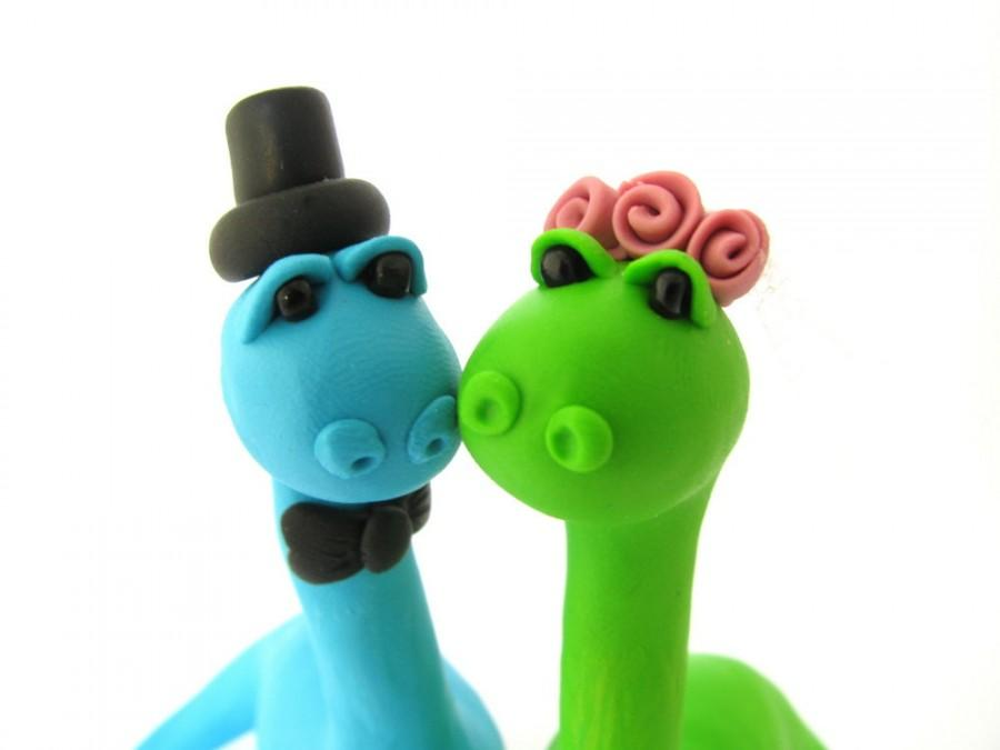 Mariage - Dino love, custom wedding cake topper, bride and groom