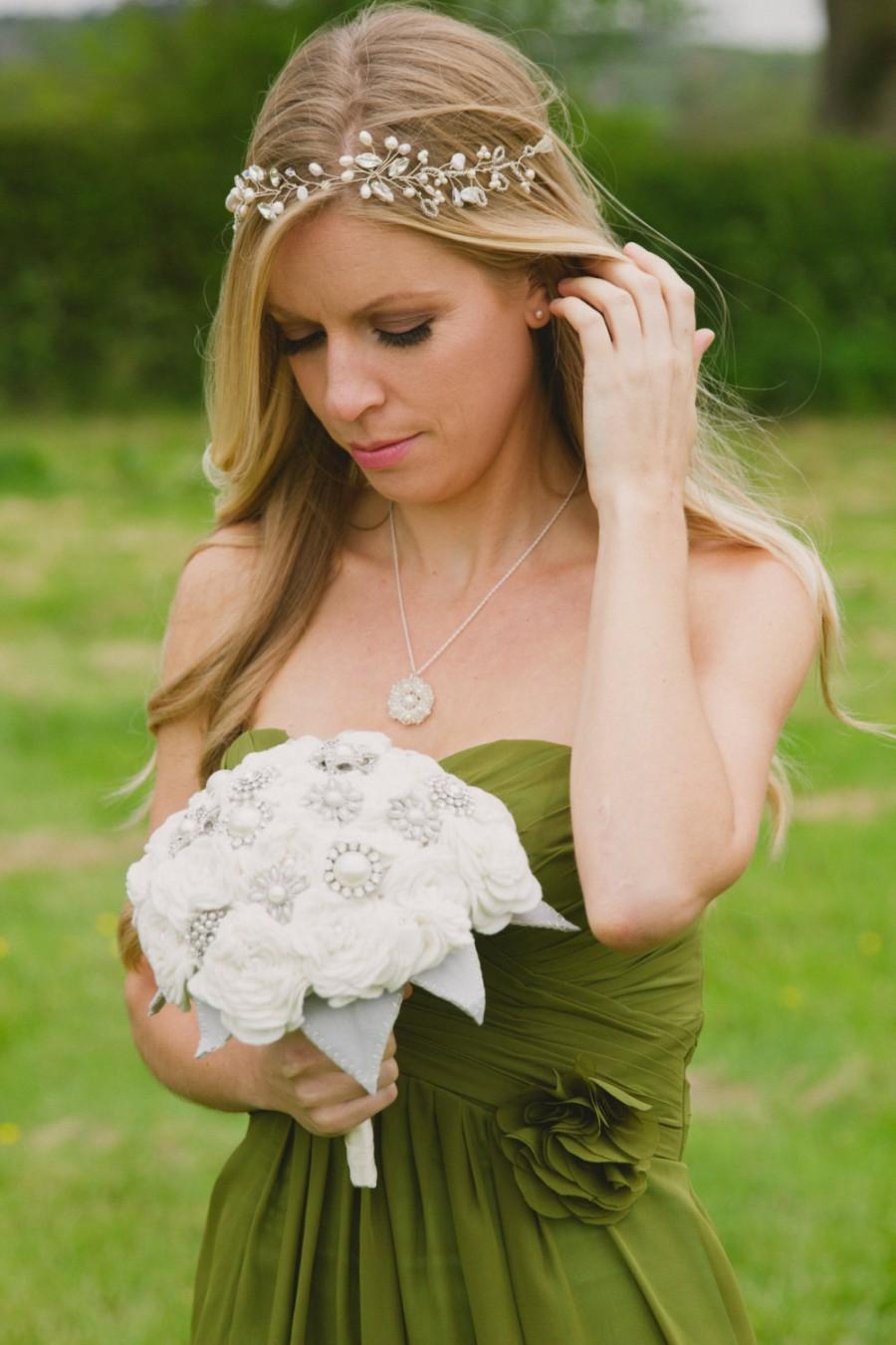 Свадьба - bridal headpiece/ wedding headband Boho Bridal hair accessories wedding hair accessories hairvine Handmade pearl bridal circlet