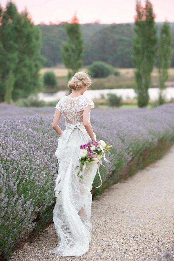 Свадьба - Lace Wedding Dresses With Classic Elegance