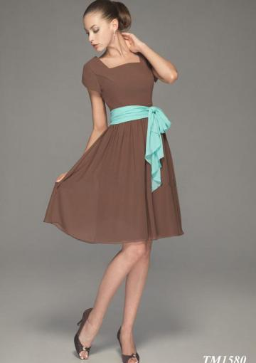 Hochzeit - Square Brown Knee Length Sash Ruched Buttons Short Sleeves Chiffon
