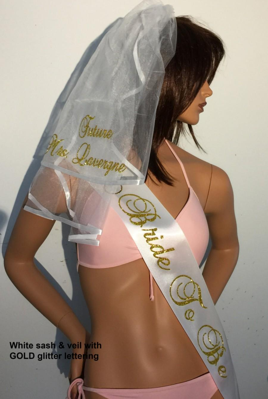 Свадьба - Veil, Bachelorette Party, Bachelorette Sash, Monogrammed Veil, Veil & Sash, Bachelorette, FREE PERSONALIZATION  By Val's Veils