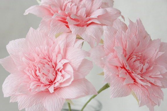 Mariage - 3 Pink Crepe Paper Dahlias, Paper Dahlia, Dahlia for Wedding, Dahlia for Table Decorations, Rosy Weddings, Bridal Flowers Pink
