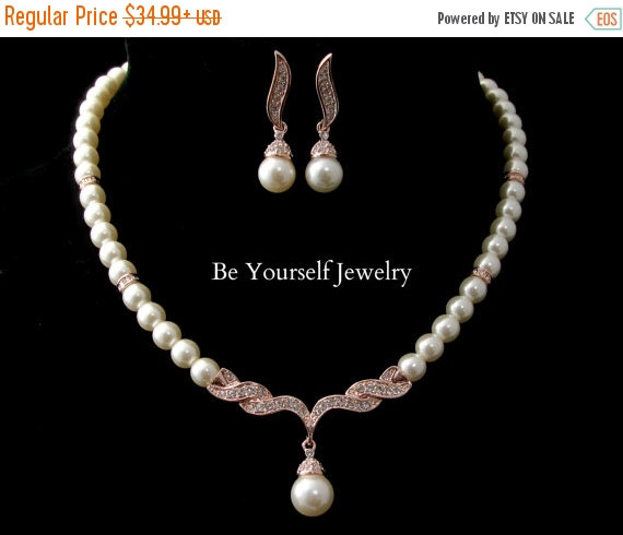 Mariage - Pearl Bridal Necklace Rose Gold Bride Earrings Wedding Jewelry Single Strand Pearl Wedding Necklace Bride Earrings Pink Gold Bridesmaid Gift