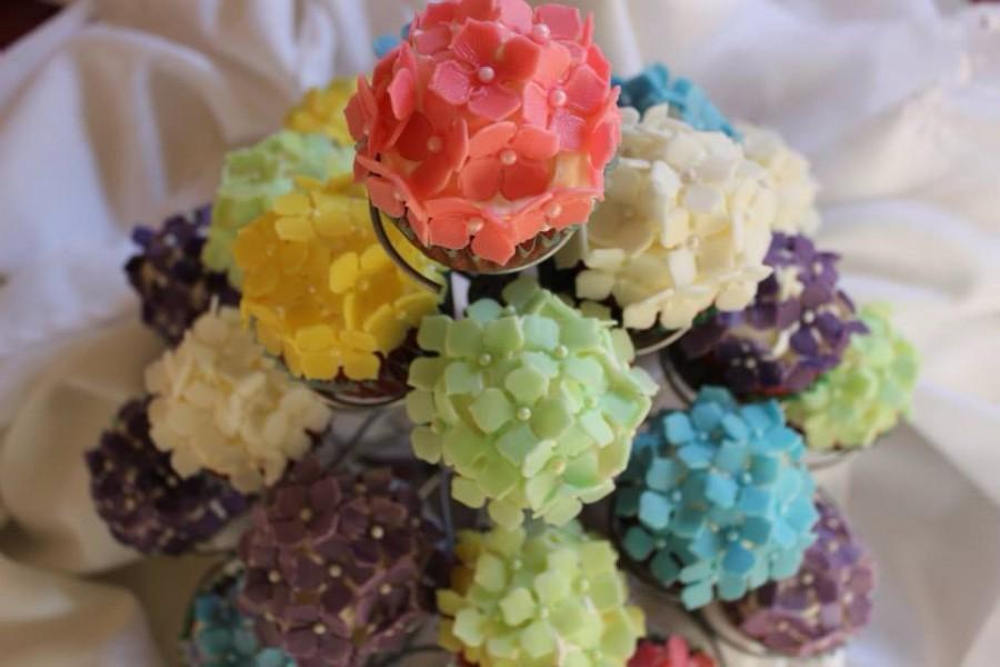 60 Edible Fondant Flowers Hydrangea Cake Pop Topper Assorted Colors