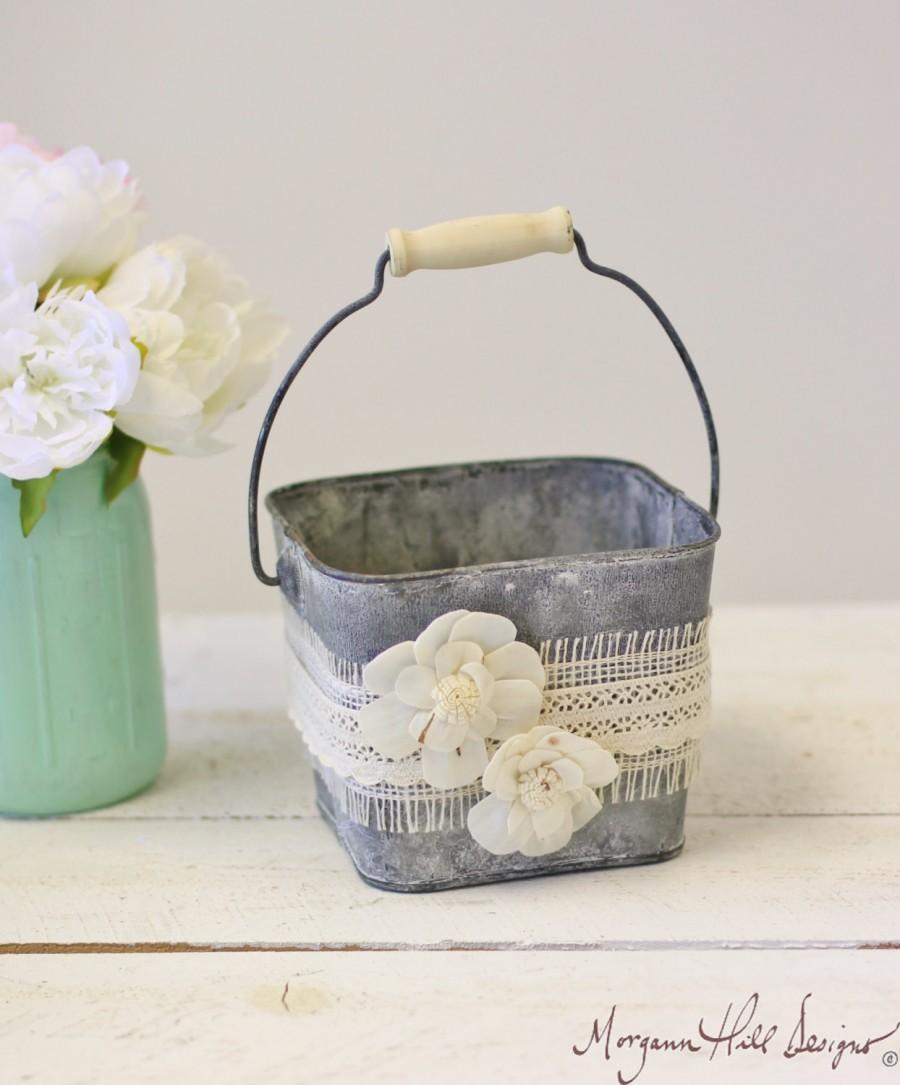 Mariage - Flower Girl Basket Galvanized Tin Burlap Lace Paper Roses (Item Number MHD100005)