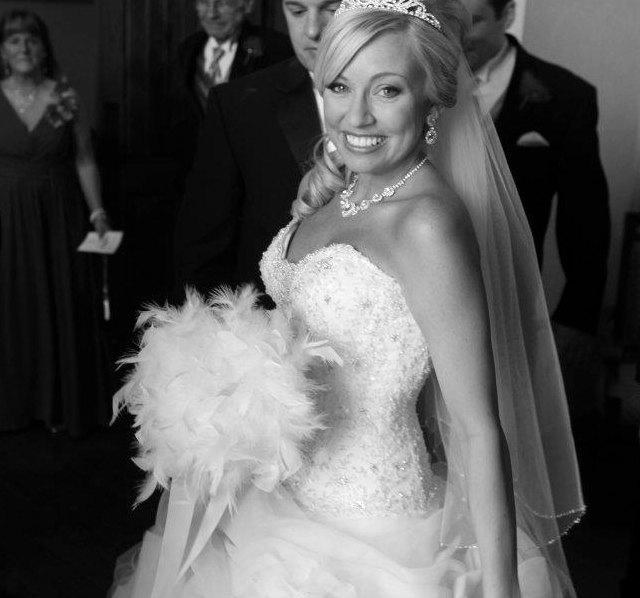 Mariage - LARGE & FULL Feather and Swarovski Crystal Couture Bride Bouquet - Snow White Ivory Bridal Bouquets Crystals Custom Wedding Feathers Colors