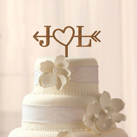 Mariage - ON SALE Custom wood Initials with heart and arrow cake topper