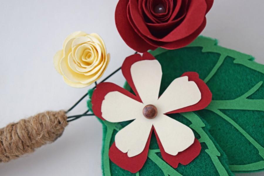 Mariage - Handmade Wedding Boutonniere -- Dark Red and Ivory -- Paper Flowers, Roses (Rosette, Crimson, Maroon, Groomsmen, Boutineer, Bout)