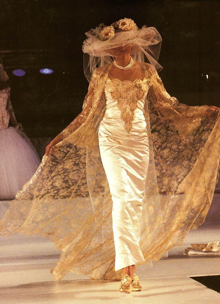زفاف - A Gallery Of Bridal Couture Images From The Archives Of Basia Zarzycka