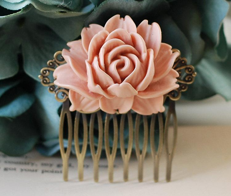 Mariage - Large Dusty Pink Rose Flower Bridal Wedding Hair Comb. Vintage Style Antique Brass Art Nouveau Filigree Hair Comb. Wedding Hairpiece