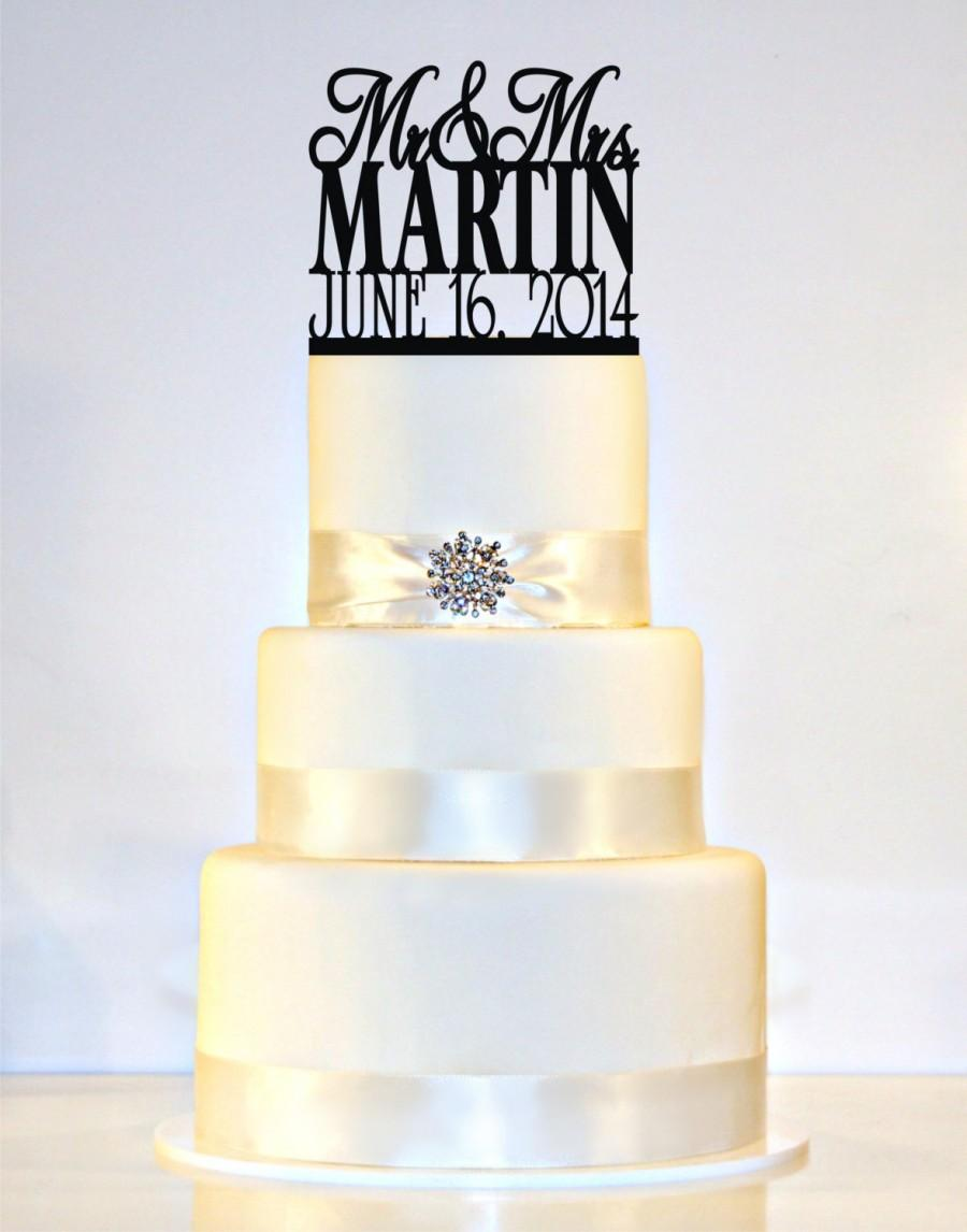 """Mariage - Monogram Wedding Cake Topper personalized with """"Mr & Mrs"""" and YOUR Last Name and Wedding Date"""