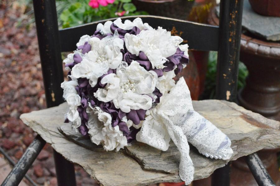 Свадьба - Forever Bouquet in Victorian Lilac/Ivory with Pearl/Rhinestone Flowers
