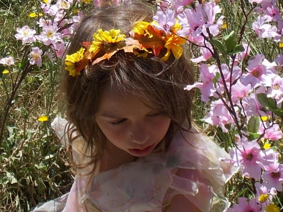 Свадьба - Fall Colors Fairy Flower Headband Garland Crown with Tiger Lilies, Small Sun Flowers, and Fall Oak Leaves, Fall Wedding Crown, Summer Bridal