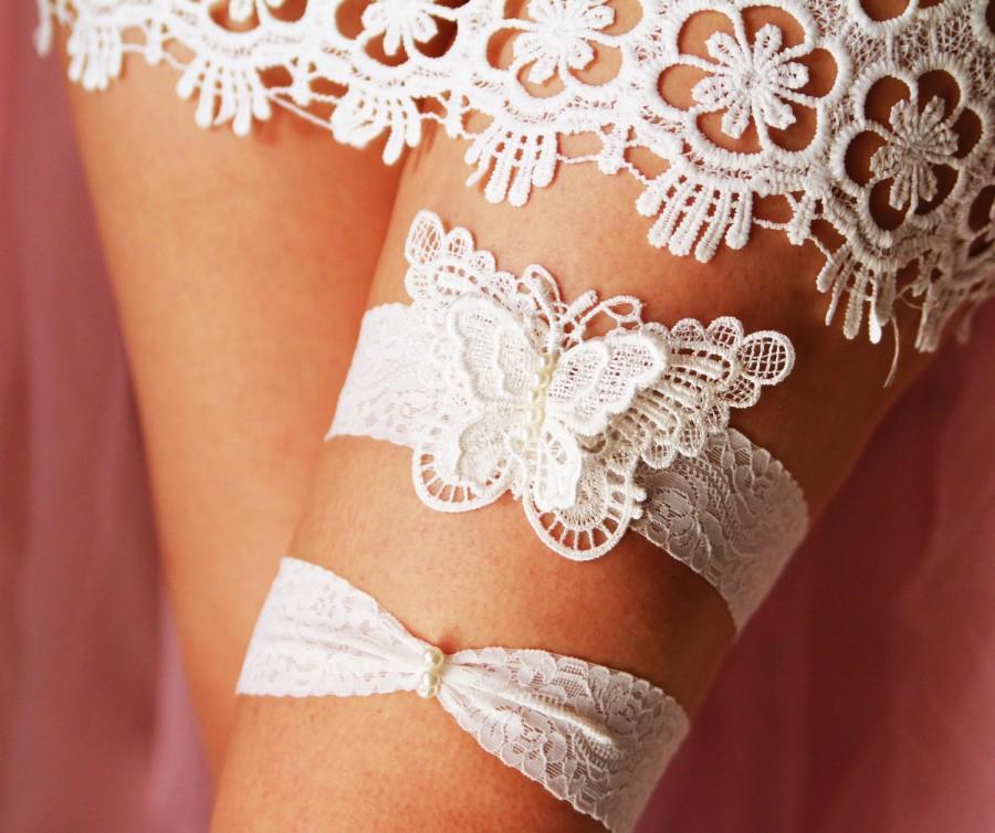 Свадьба - Wedding Bridal Garter Set Garter Belts - Alice in Wonderland Rustic Boho Woodland Wedding - Pearls Ivory Butterfly Embroidered Lace