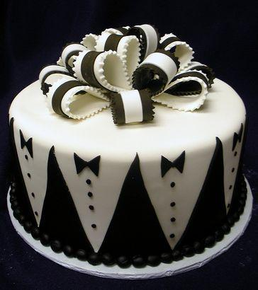 Hochzeit - Grooms Cake With Tuxedo Patterns And Black And White Bowtie.JPG  (4 Comments)