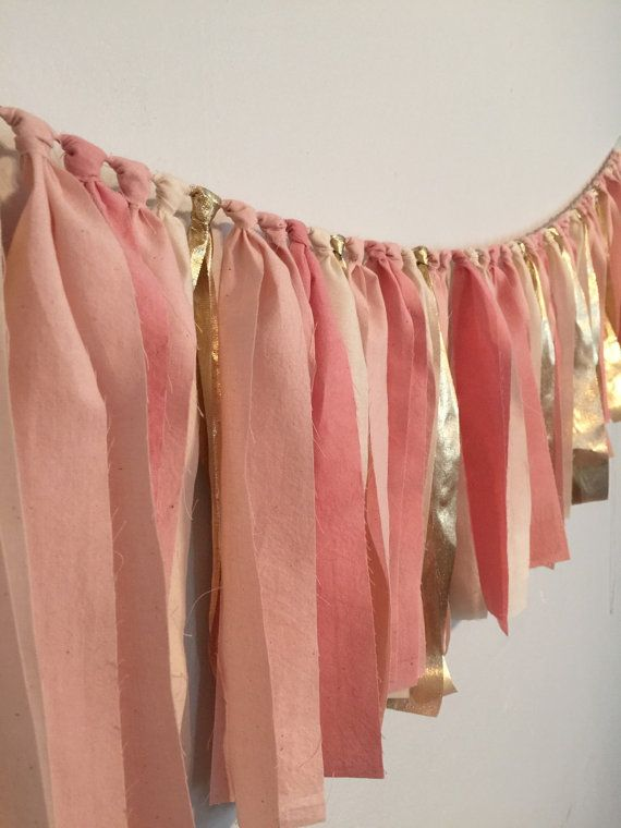 زفاف - Pink Rag Garland. Photo Backdrop For Parties. Pink, Gold Wedding Decor. Hand Dyed Fabric Garland. Wedding Photo Booth Prop. Blush Gold Party