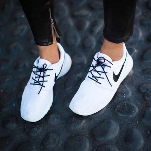 Свадьба - In Search Of The Perfect Nike Roshe Run Sneakers