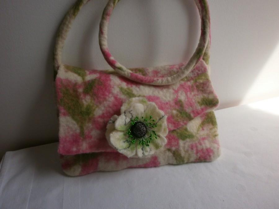 Mariage - BAG + 1 BROOCH FREE  Wool felt bag, white felt flower, Accessory, felted wool  wet bag,anniversary,unique, dress, wool jewelry, summer drees