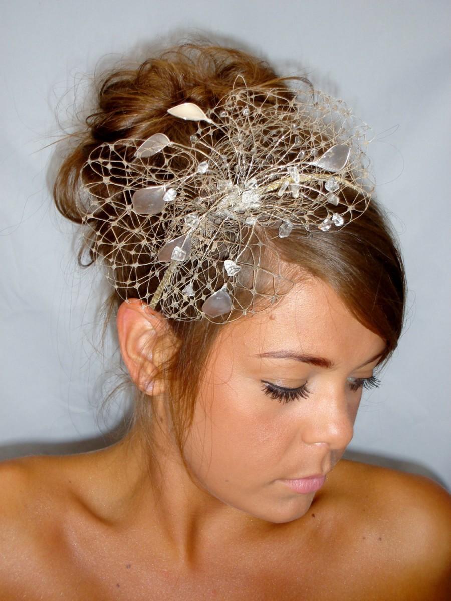 Mariage - Gold fascinator, mother of the bride, Summer wedding, wedding hat, beige fascinator, antique gold