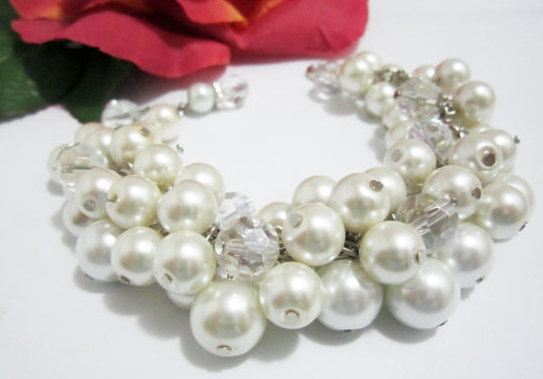 Свадьба - Bridesmaid Jewelry Bridesmaid Bracelet Pearl Wedding Jewelry Pearl Bracelet Chunky Cluster Bracelet, White or Ivory Pearls
