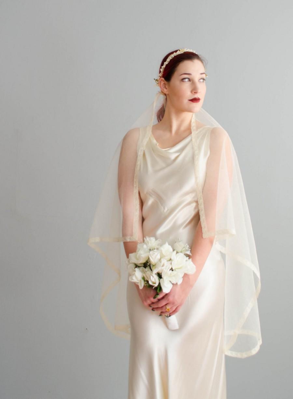 Свадьба - Vintage 1940s Wedding Veil - 40s Bridal Veil - Matrimony Lace Veil