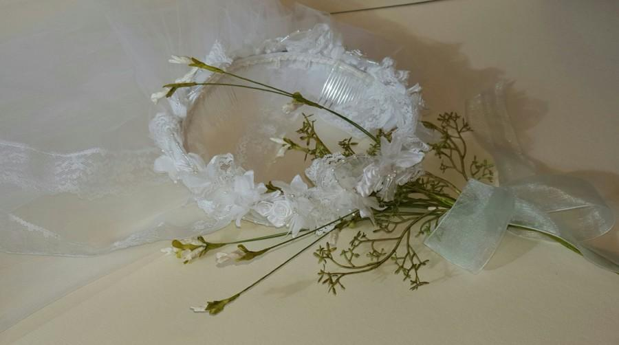Mariage - First Communion Veil, Halo Wreath, Girl's Crown Headpiece, Silk Flowers, Single Tier, Lace Edging, Organza, Flowergirl, Bridal Accessory