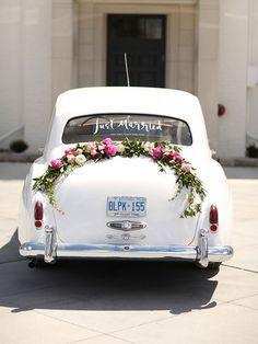 Hochzeit - FLOWER  WEDDING  CAR