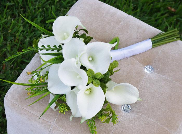 natural touch calla lilies bouquet silk wedding off white flowers 2542496 weddbook. Black Bedroom Furniture Sets. Home Design Ideas