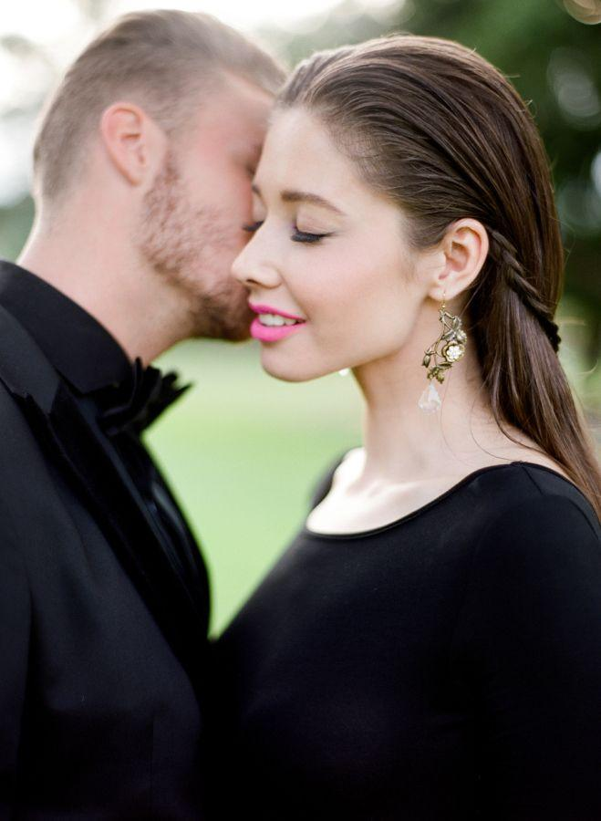 Свадьба - Head-to-Toe Black Makes For An Ultra Chic Engagement Session