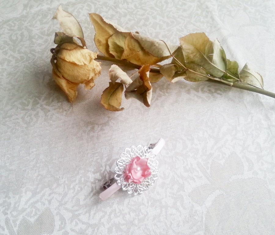 زفاف - Barrette wedding hair clip in vintage style wedding looks like old delicate pink baby pink hand made silk flower faux pearls