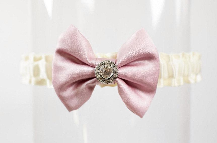 "Свадьба - Wedding Garter Ivory Pink Rhinestone Bow Tie ""Evelyn"""