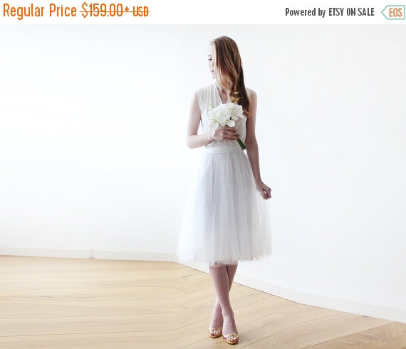 Wedding - Ivory midi tulle bridal sleeveless gown , Minimalistic wedding short tulle dress