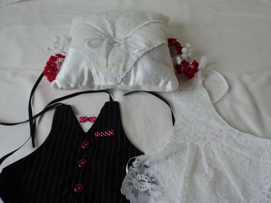 Mariage - Hand made Wedding ring pillow and bride and groom champagne aprons (01611)