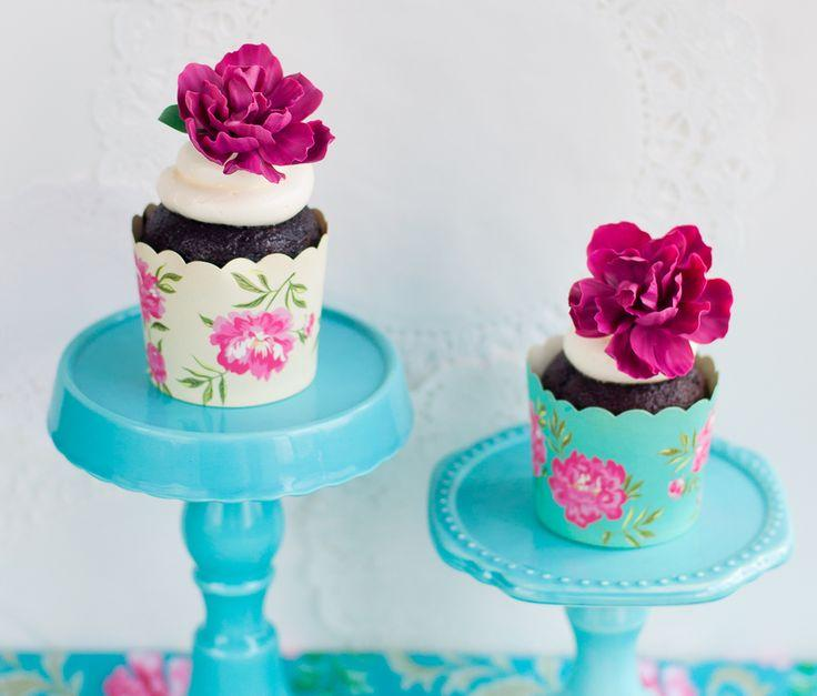 Свадьба - Floral Cupcakes And Mini Cakes