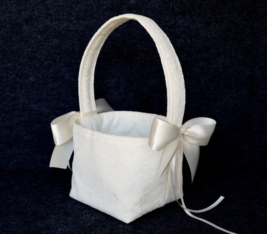Свадьба - Ivory lace wedding flower girl basket