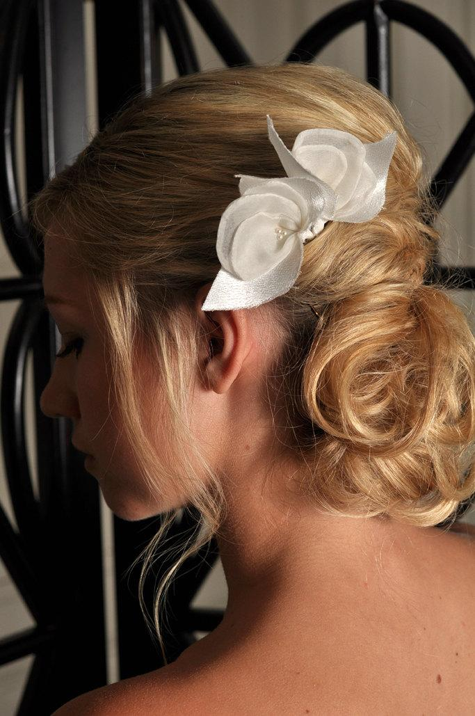 Свадьба - Bridal Accessories - Two Satin Flowers with Swarovski Pearl Pistol Bridal Hair Accessory - Ivory ONLY