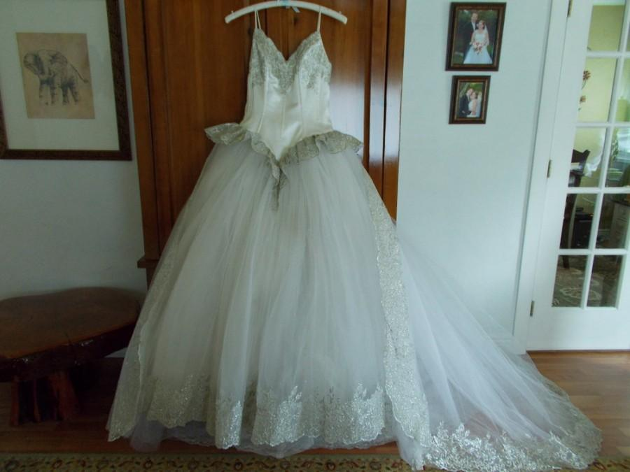 Cinderella Designer Wedding Gown By Avine Perucci/division Of ST ...