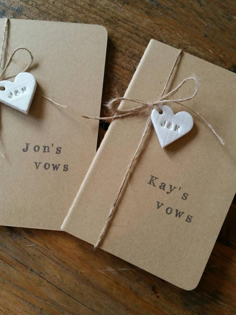 Mariage - Set of 2 Wedding Vows Notebooks ~ His & Hers Vows ~ Personalized Notebooks ~ Clay Heart Tag